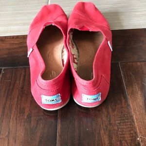TOMS flats size 9 Wide